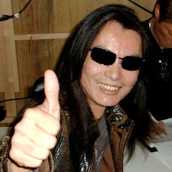 Itagaki_Thumbs_Up_MNT